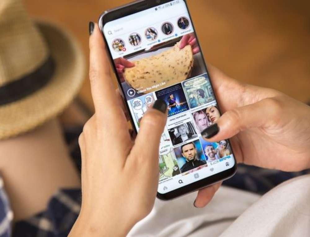 Az Instagram már támogatja az álló és fekvő fotókat és videókat a galériákban